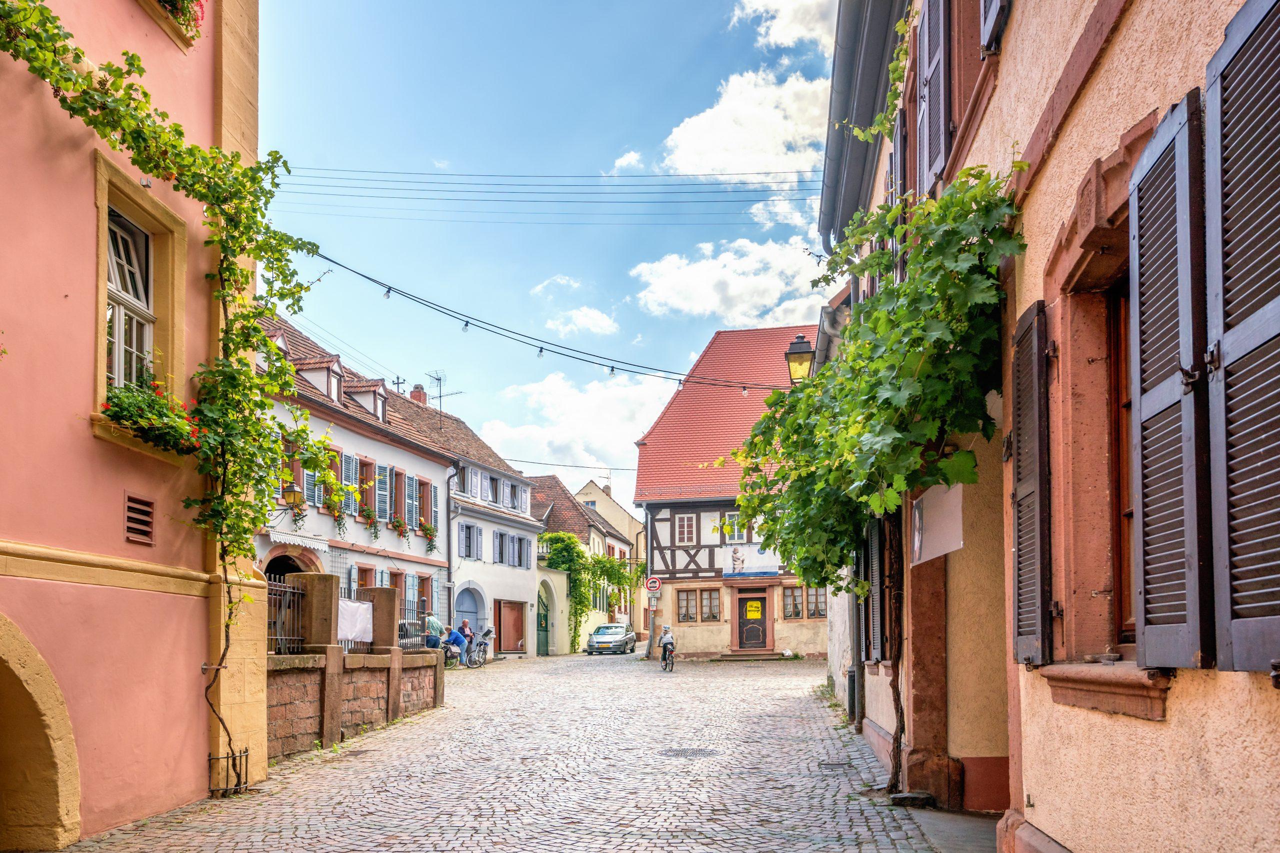 """Featured image for """"Einstellfahrten durch die Hambacher Altstadt im März"""""""